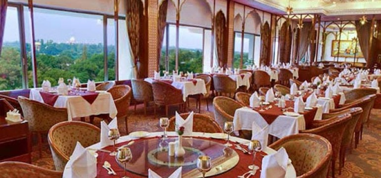 Famous Restaurants in Agra