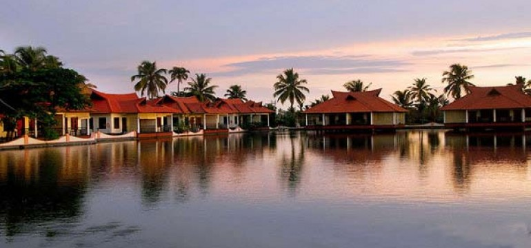 Famous Luxurious Hotels in Alleppey