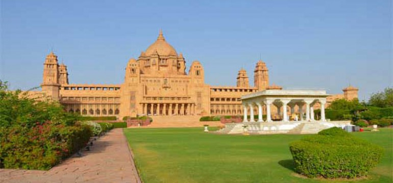 Famous Palaces in India