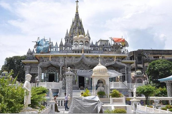 Jain Glass Temple in  Kanpur