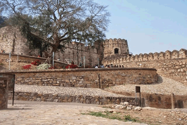 Jhansi Fort in Jhansi