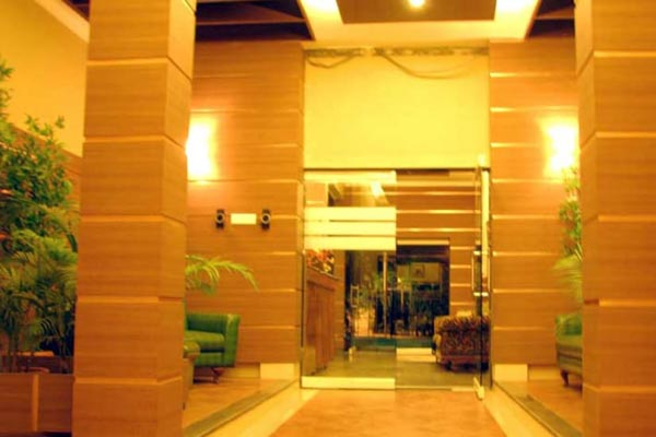 Status Club - Business Hotel in  Kanpur