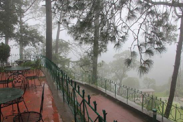 Ross Common Restaurant in Kasauli