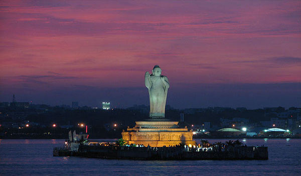 Buddha statue at the Hussain Sagar