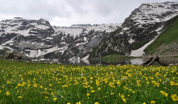 Harmukh Mountain in Jammu & Kashmir
