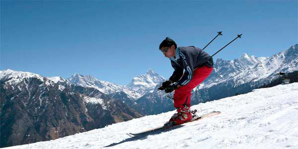 Snow skiing at Auli