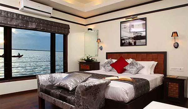 Spice Routes Houseboat