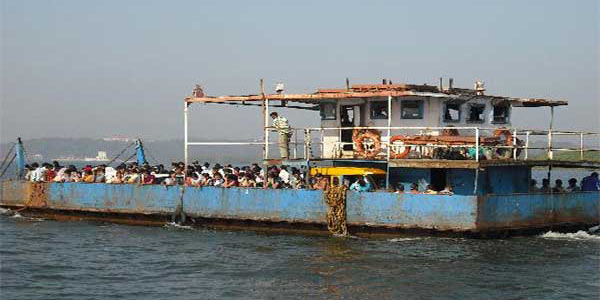 The ferry to Chorao Island