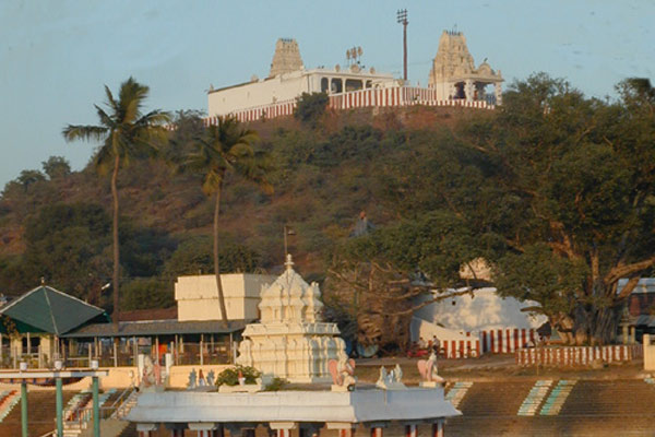 Thiruneermalai Vishnu Temple