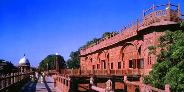 Balsamand Lake Palace Hotel in Rajasthan