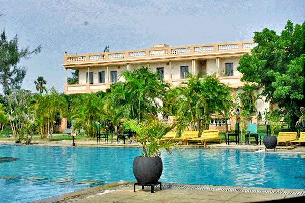 Kailash Beach Resort in Pondicherry