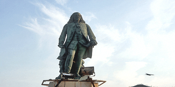 Statue of Dupleix in Pondicherry