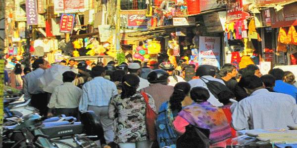 Alambagh Market in Lucknow