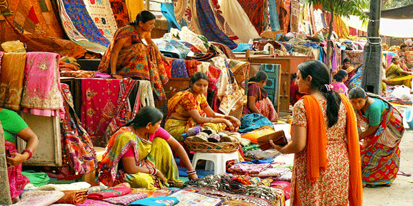 Janpath Market in Lucknow