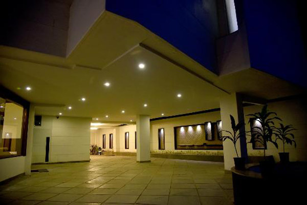Hotel Skylight in  Vadodara