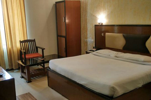 Grand Pacific Retreat Hotel, Ambala