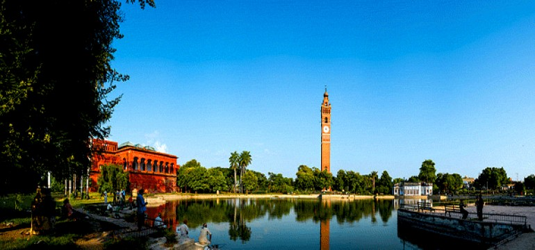 Famous Tourist Spot In Lucknow
