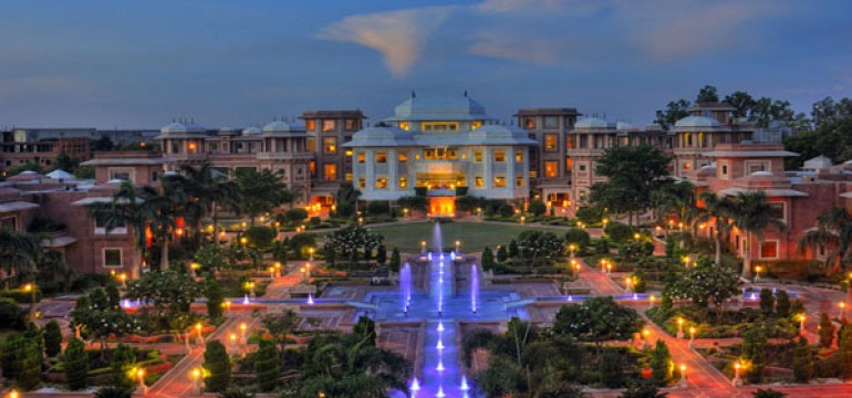 Famous Luxury Hotels in Agra