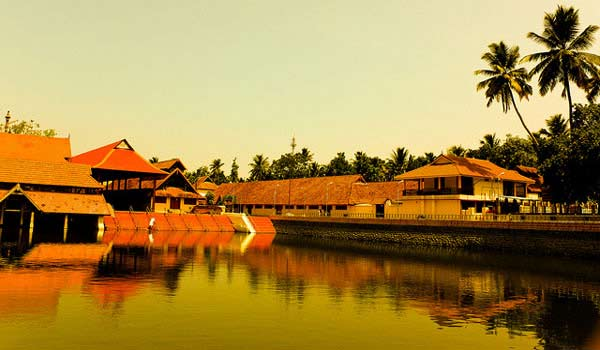Famous Tourist Places in Alleppey