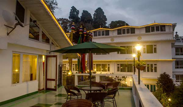 Famous Luxurious Hotels in Darjeeling