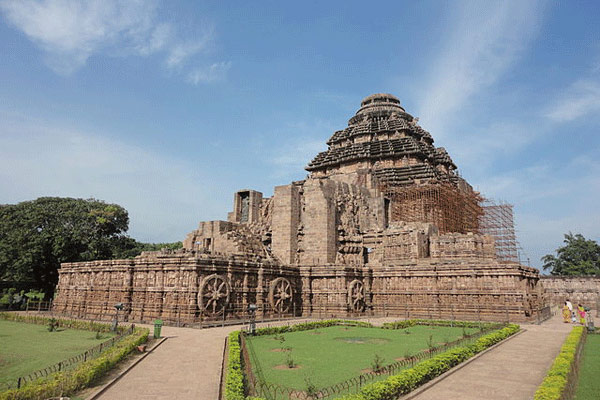 Famous Tourist Places in Konark